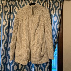 Abercrombie&Fitch cable knit sweater